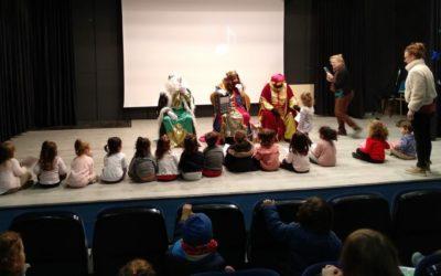 Los Reyes Magos reciben a los alumnos de Ed.Infantil